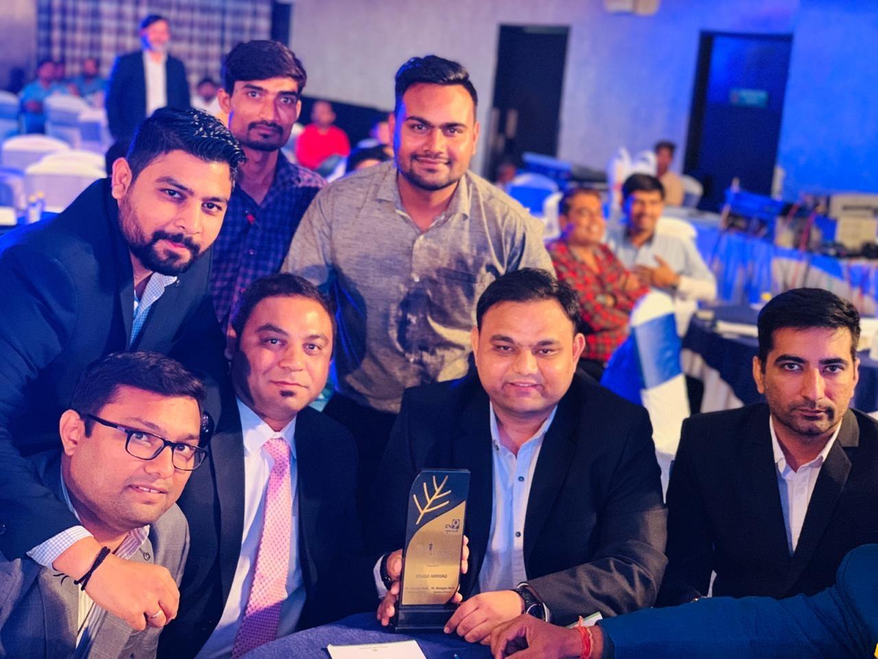 Team Edugo Abroad Holding TV9 Ace Achievers Award
